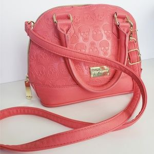 Coral betsy Johnson skull embossed bowling bag